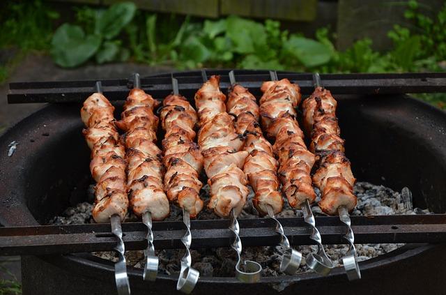 Шашлык из баранины с соленьями Вторые блюда Шашлыки