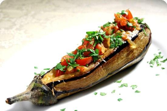 Баклажаны, фаршированные овощами Закуски