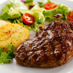 Бифштекс с жареным картофелем Блюда из мяса