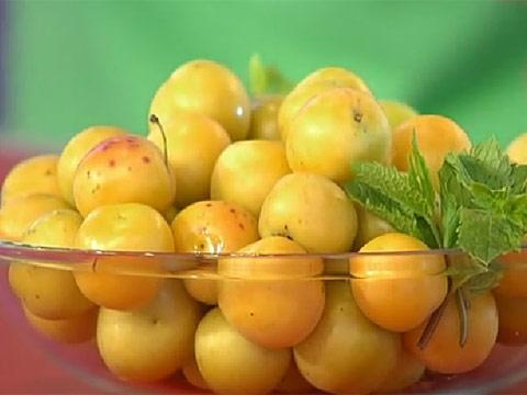 Алыча с томатами Заготовки, консервирование