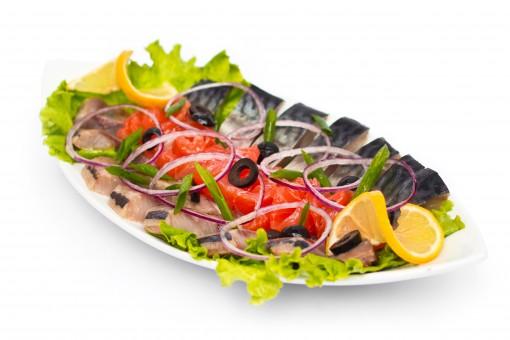 Ассорти из малосольной рыбы Японская кухня