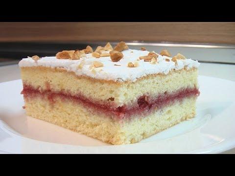 Бисквитное пирожное с вареньем