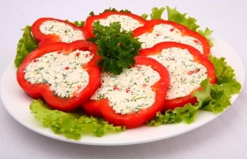 Фаршированный салатом перец Русская кухня