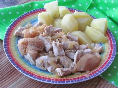 Филе индейки с яблоками или айвой