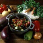 Гивеч ку легуме (рагу овощное с фасолью и горохом) Вторые блюда Молдавская кухня