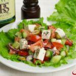 Греческий салат с маслинами Салаты