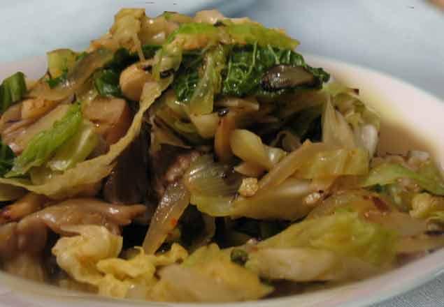 Капуста с грибами и орехами Из капусты Из овощей