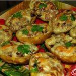 Картофель, фаршированный грибами Из картошки