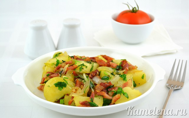 Картофель с беконом и луком Из картошки