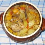 Картофель, тушенный в горшочке с овощами Из картошки