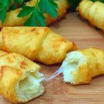 Картофельные рогалики с черносливом Из картошки