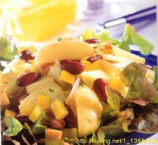 Картофельный салат с красной фасолью и яблоками