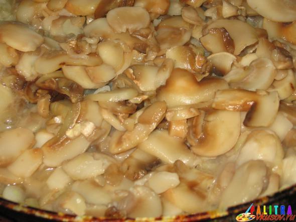 Куриные окорочка в грибном соусе
