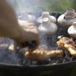Куропатка, жаренная на решетке, с шампиньонами Охотничья кухня