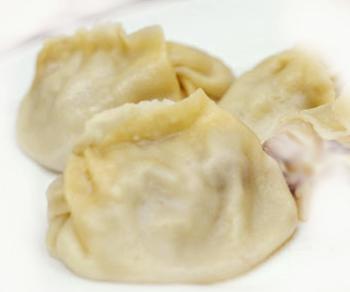 Манты с начинкой из творога и орехов Вторые блюда Манты