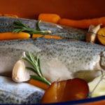 Морская рыба с вином и овощами Блюда из рыбы Вторые блюда