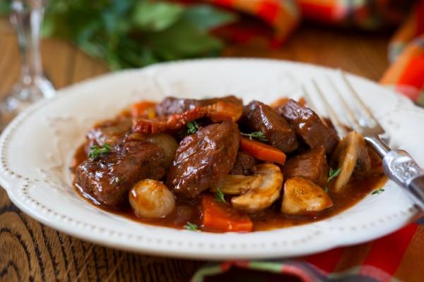 Мясо по-бургундски Вторые блюда