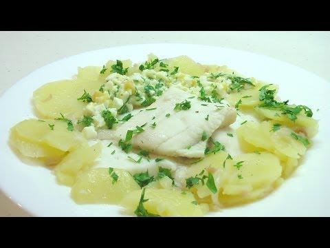 Отварная рыба с картофелем и шпигом Рыбацкая кухня