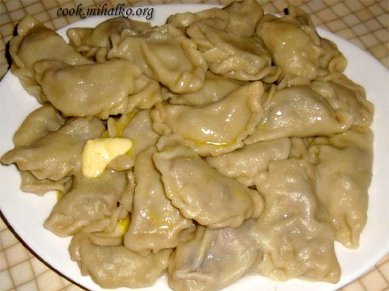 Пельмени с начинкой из опят и печени Вторые блюда Пельмени