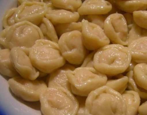 Пельмени с начинкой из семги (осетра) Вторые блюда Пельмени