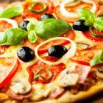 Пицца с капустой брокколи и мягким сыром Пицца