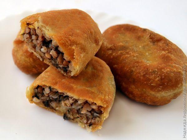 Пирожки с гречневой кашей и грибами