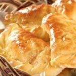 Пирожки с квашеной капустой, луком и яйцом Пирожки