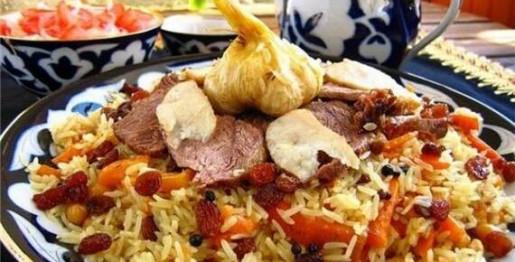 Плов с бараниной, чесноком и базиликом Вторые блюда Пловы
