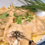Равиоли с шампиньонами и сыром Вторые блюда