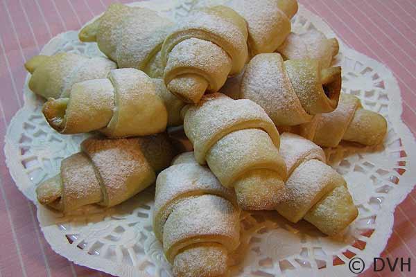 Рогалики с изюмом рецепт с пошагово