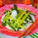 Салат из дайкона и лука-порея Японская кухня
