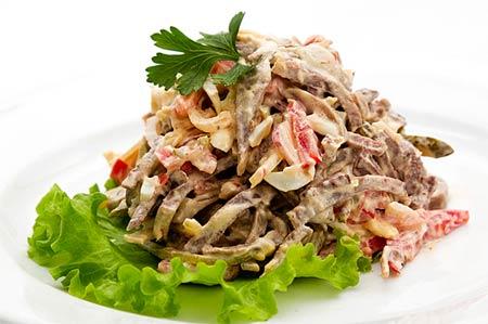 Салат из каракатиц под имбирным соусом Японская кухня