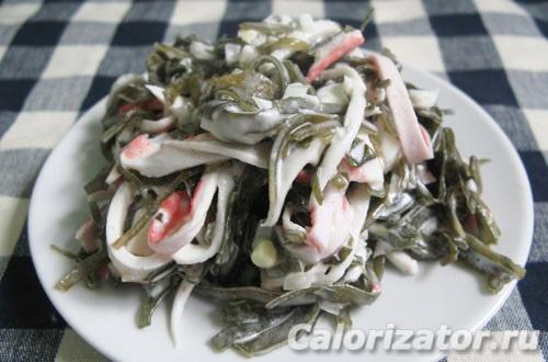 Салат из крабовых палочек с морской капустой Японская кухня