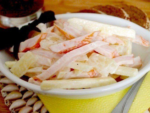 Салат из курицы с яблоками и ананасом Японская кухня