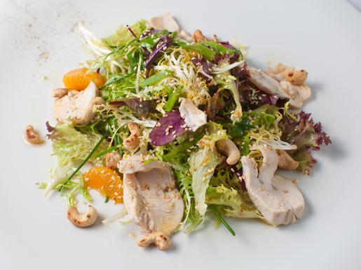 Салат из куриного филе с фруктами Русская кухня