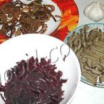 Салат из печени со свеклой Закуски
