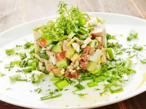 Салат из печени трески и консервированной фасоли Салаты