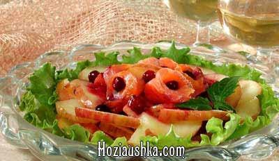 Салат из судака с соусом из свежих помидоров Салаты