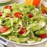 Салат из свежих овощей с яйцами Салаты