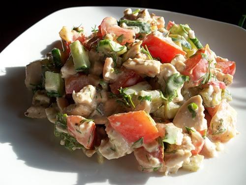 Салат овощной с мясом и птицей