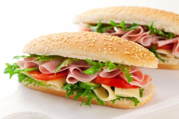 Сэндвичи с ветчиной и зеленью Немецкая кухня