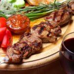 Шашлык по-карски с соусом ткемали Армянская кухня