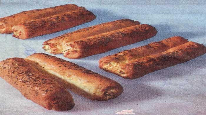 Соленое печенье с начинкой из брынзы