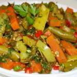 Стручки фасоли с овощами Армянская кухня