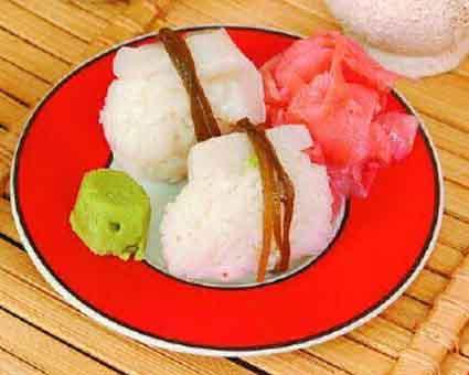 Суси с морским гребешком и морской капустой Японская кухня