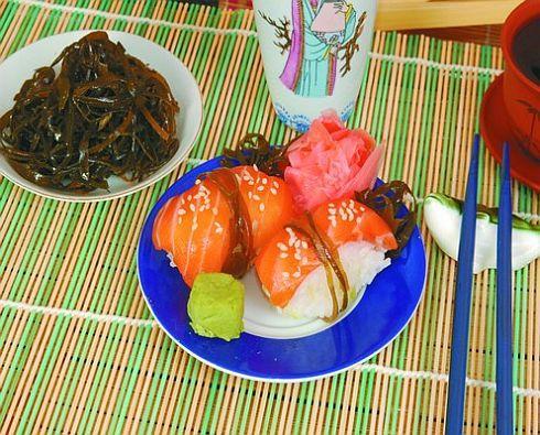 Суси с морским карпом Японская кухня