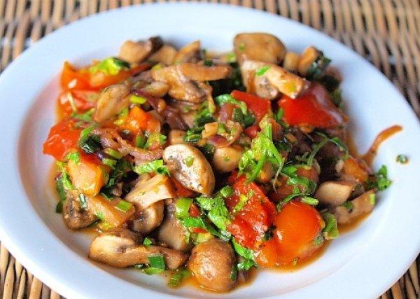 Теплый грибной салат Закуски