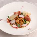 Теплый салат из лисичек с беконом Закуски Салаты