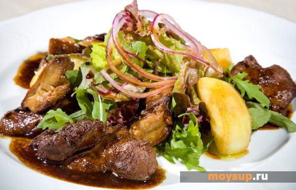 Теплый салат с куриной печенью Закуски