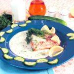 Тушеная семга в сливочном соусе с укропом и огурцом Блюда из рыбы Вторые блюда Праздничный стол